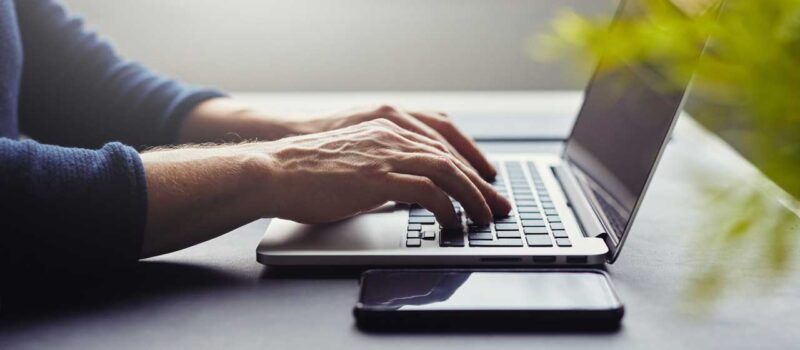 Online Dating for Men Has No Age Barrier